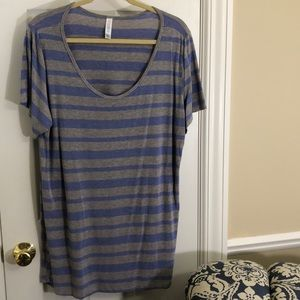LulaRoe Simply Comfortable blue/grey striped tunic